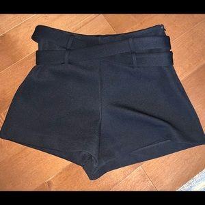 Night waisted black shorts